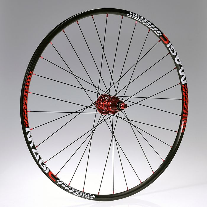 "WHEEL  28""P.NOVATEC-DISK-RED -32 holes -9-MAGIC-BLACK BACK"